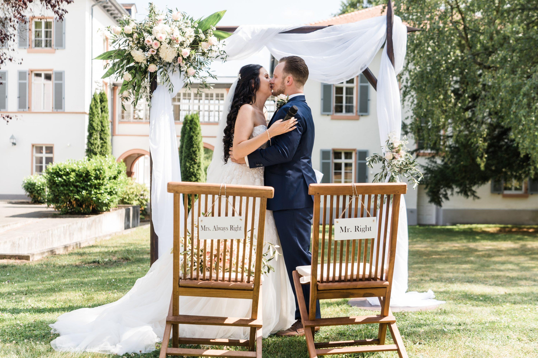 Brautpaar Kurhauhotel Bad Salzhausen bei der freie Trauung